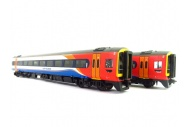 bachmann-31-518-class-158-2-car-dmu-158773-east-midlands-trains-front-right
