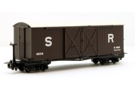 bachmann-393-028-covered-goods-wagon-in-sr-brown-livery