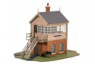 Ratio 500 GWR Half Brick Signal Box OO Gauge