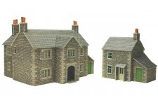 Metcalfe PO250 Manor Farm House Card Kit For OO Gauge Model Rilways