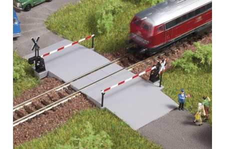 Auhagen 44637 Single Track Level Crossing And Barrier
