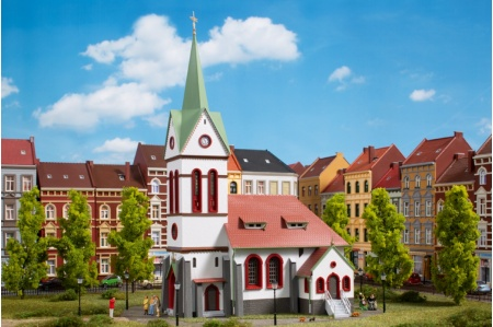 Auhagen 11370 Small Town Church Kit For HO/OO Gauge Model Railways pic2
