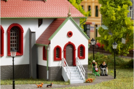 Auhagen 11370 Small Town Church Kit entrance detail