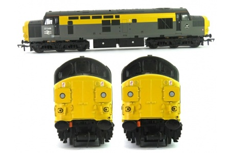 Bachmann 32-792 Class 37/0 37046 BR Grey And Yellow Dutch Split Headcode Diesel Locomotive Front And Side