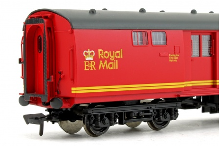 Bachmann 39-430A BR Mk1 POS Post Office Sorting Van Royal Mail Letters Closeup
