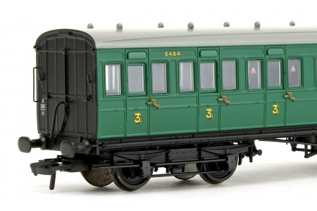 Bachmann 39-613 SE And CR 60ft Birdcage Composite Lavatory SR Malachite Green Closeup