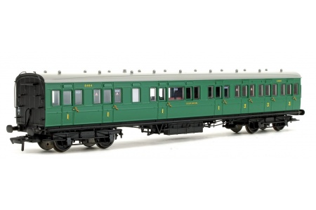 Bachmann 39-613 SE And CR 60ft Birdcage Composite Lavatory SR Malachite Green Front Left