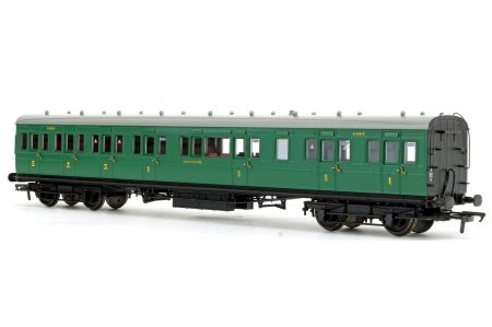 Bachmann 39-613 SE And CR 60ft Birdcage Composite Lavatory SR Malachite Green Front Right