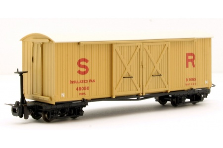 bachmann-393-030-bogie-covered-goods-wagon-sr-insulated
