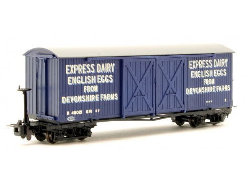 Bachmann Narrow Gauge 393-029 Bogie Covered Goods Wagon Express Dairy Company Blue